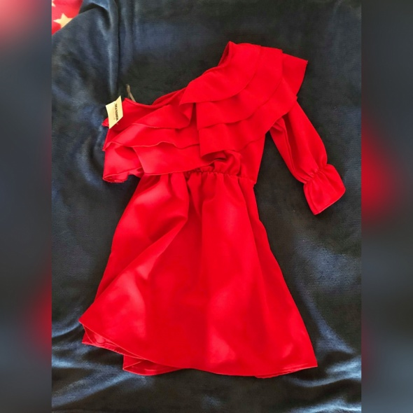 Czerwona sukienka na jedno ramię nowa...