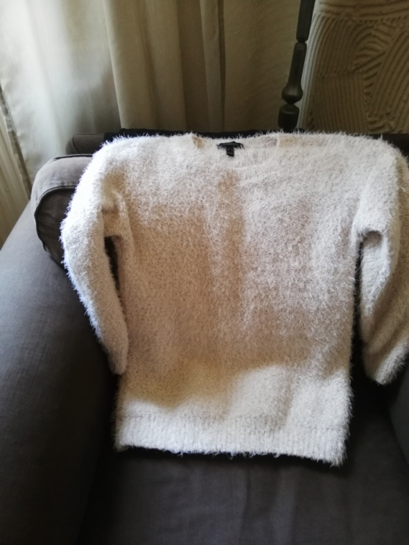 Włochaty sweter atmosphere L...