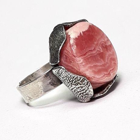 Stary srebrny pierścionek rodochrozyt...