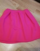 Różowa neonowa spódniczka...