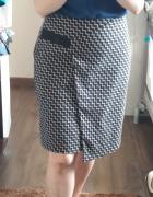 Bardzo elegancka asymetryczna spódniczka...