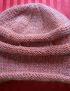Oryginalna czapka zimowa łososiowo biała