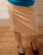 Beżowa spódnica w rozmiarze S...