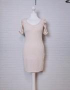 8 36 S H&M Beżowa kremowa jasna nude dopasowana sukienka srebrn...