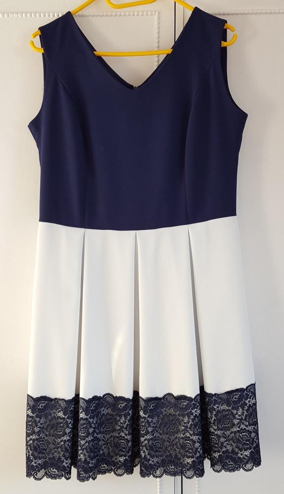 Elegancka sukienka bialo granatowa 46 XXXL 44 XXL wesele koronka midi