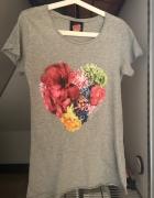 FEMI Pleasure koszulka tshirt szara serce kwiaty...