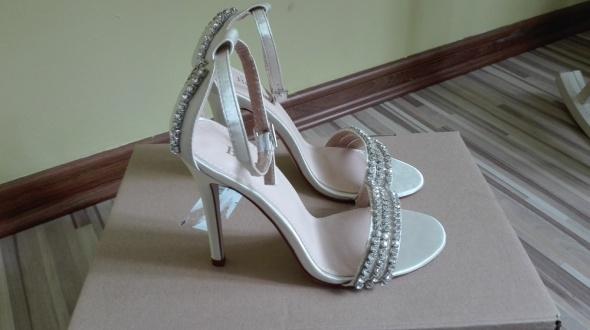 Sandały szpilki Be Mine 37 zdobienia...