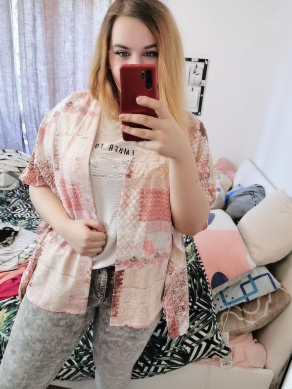 20 48 4XL Lindex Plus Size Różowe białe kimono narzutka
