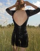 Czarna cekinowa sukienka odsłonięte plecy