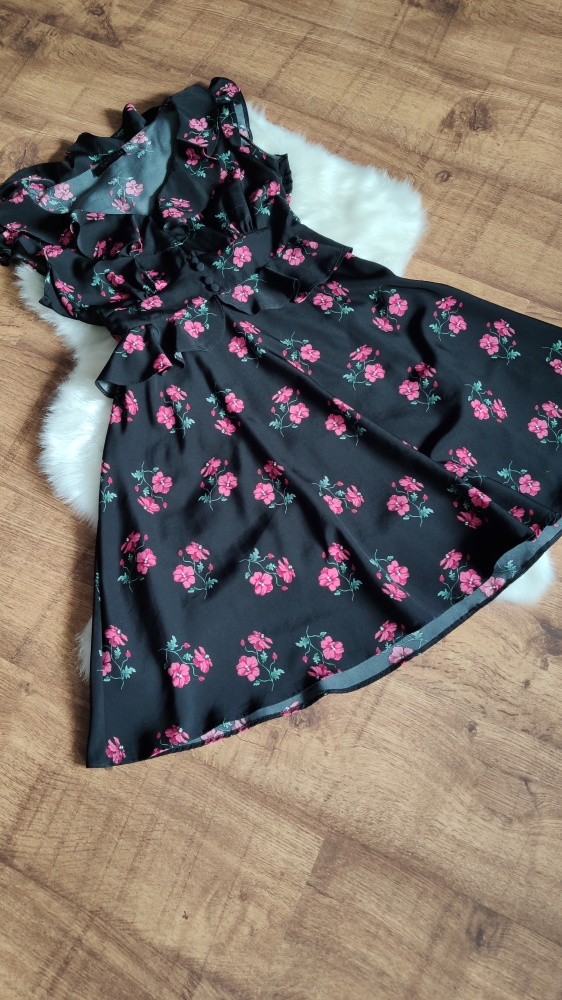 Suknie i sukienki Sukienka w kwiatki falbanki czarna