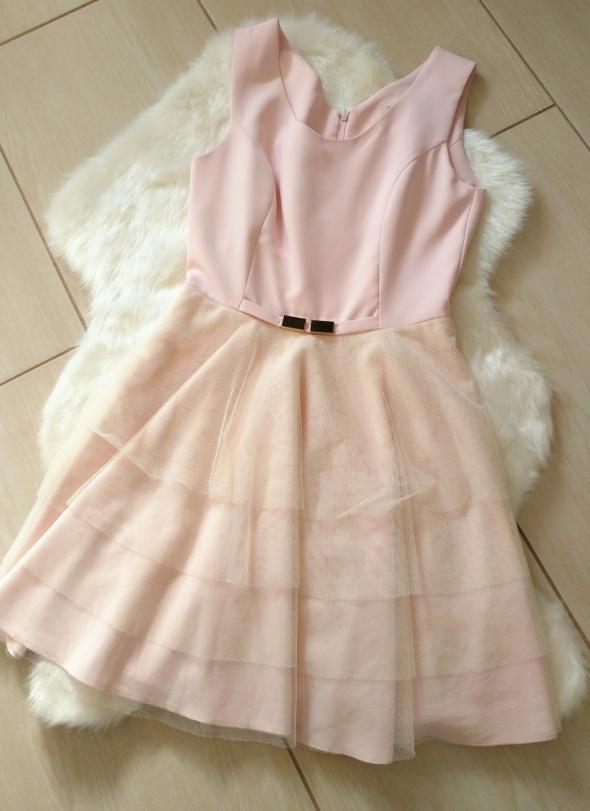 Suknie i sukienki Sukienka pudrowy róż z tiulem