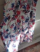 Sukienka w kwiaty 46...