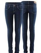 jeansy Zara...
