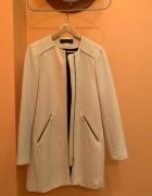 Biały płaszcz Zara rozmiar S...