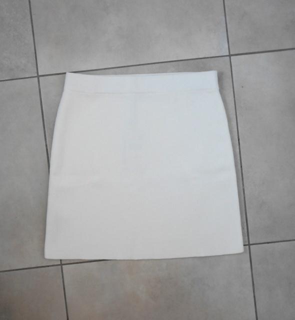 Mango nowa biała spódniczka mini z recyklingu dzianinowa...