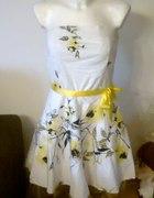 Śliczna biało żółto czarna sukienka