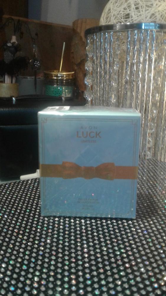Perfumy WODA PERFUMOWANA AVON LUCK LIMITLESS 50 ml AVON