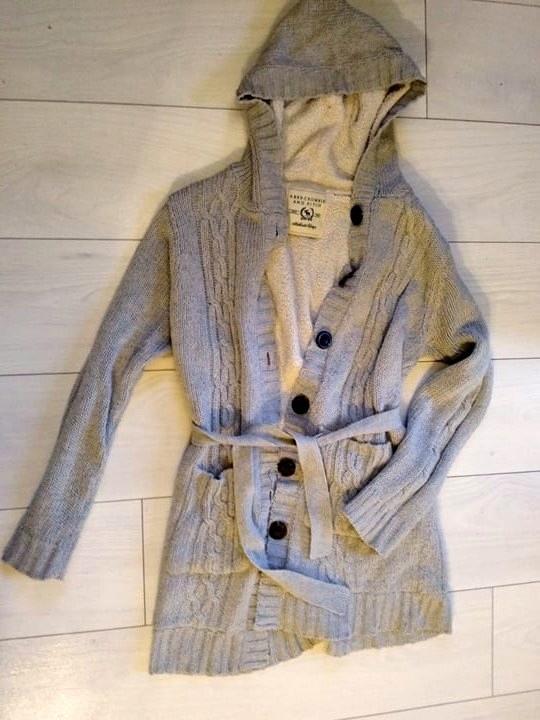 Gruby ciepły sweterek
