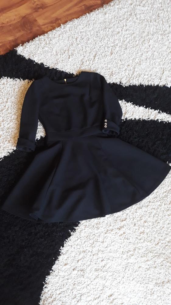 Suknie i sukienki Czarna sukienka rozkloszowana rozmiar 36