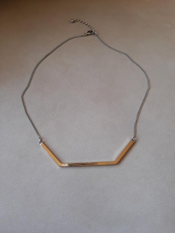 Łańcuszek wisiorek ze złotą zawieszką