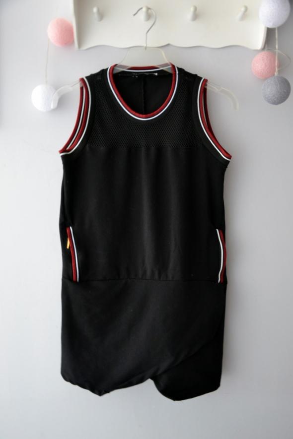 Czarna tunika sportowa z siateczką dłuższa bluzka bokserka