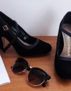 czarne pantofle