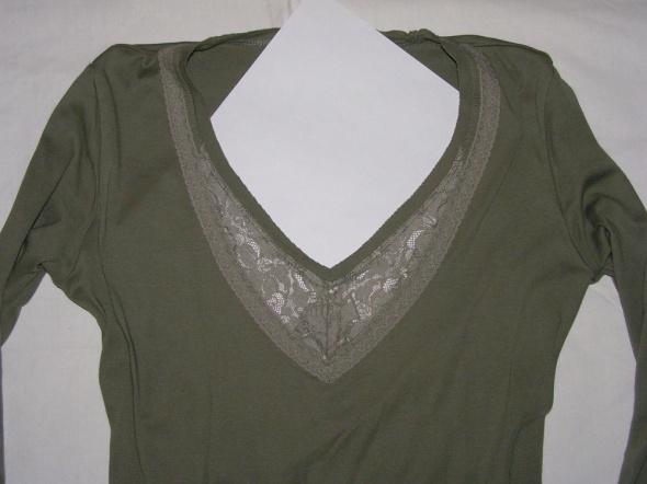 Zielona bluzka ESPRIT z koronkową wstawką...