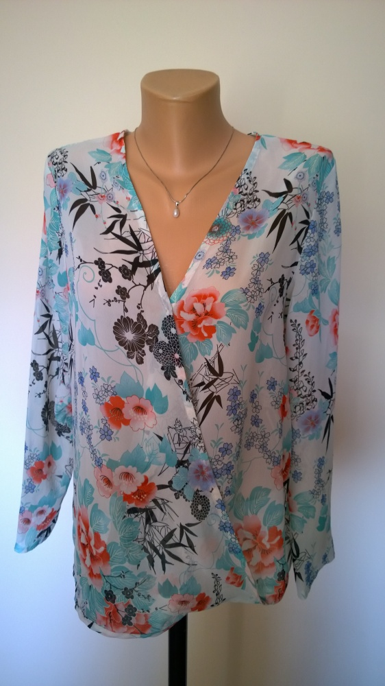 bluzka kopertowa w kwiaty 42