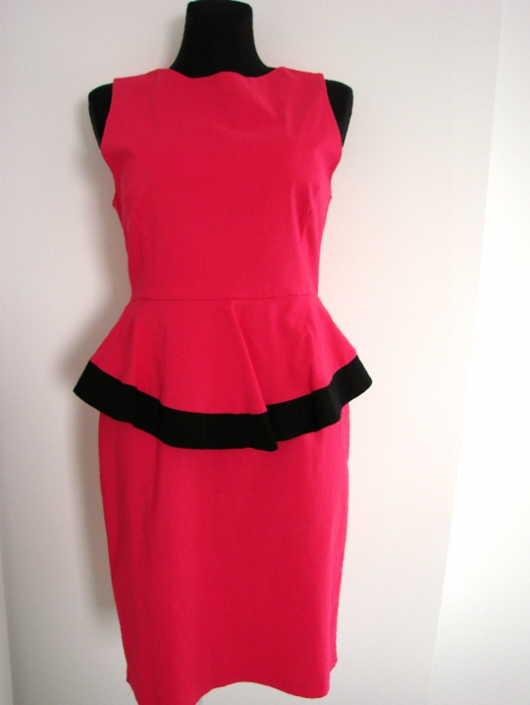 Suknie i sukienki Ołówkowa sukienka z baskinką długość midi