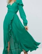 Długa zwiewna sukienka z falbankami...