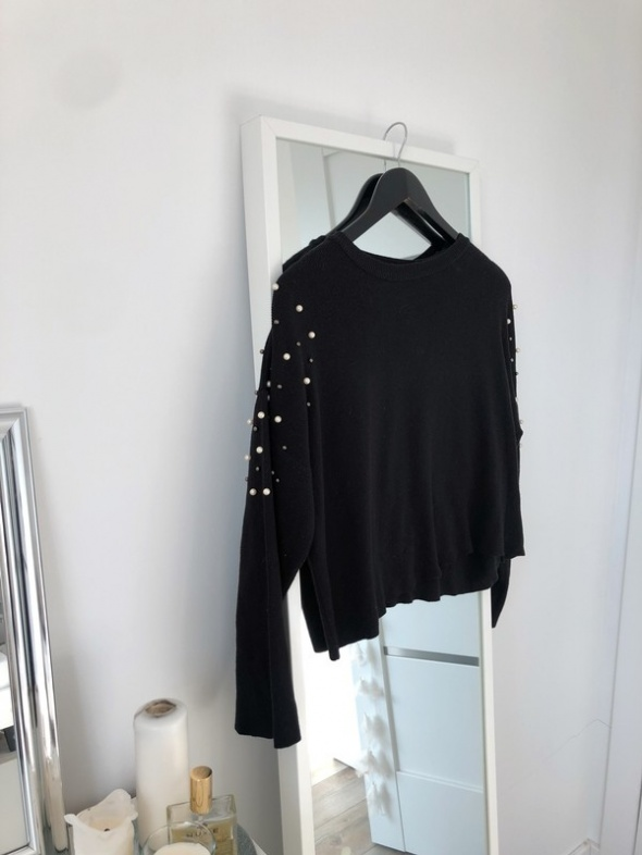 sweterek z perełkami luzny krój
