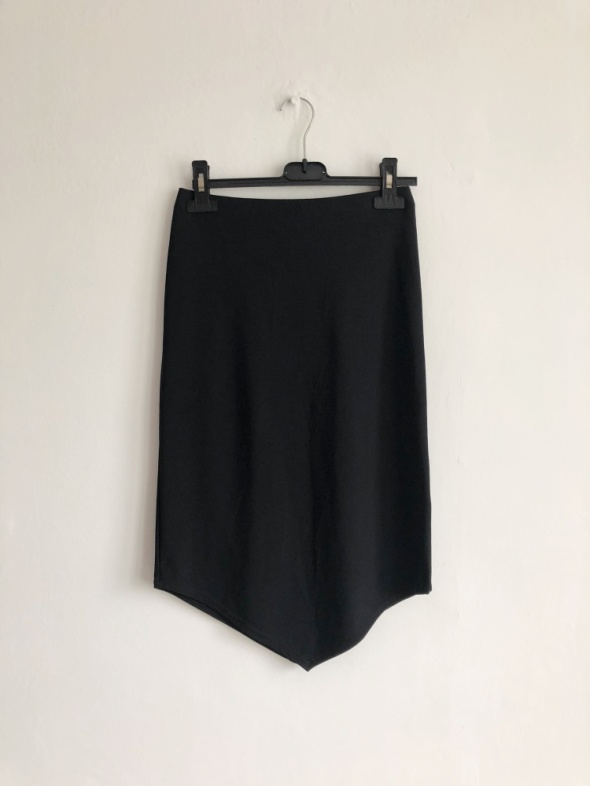 Topshop czarna obcisła spódnica ołówkowa do kolan midi asymetry...