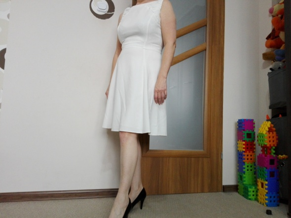 Suknie i sukienki Sukienka kremowa