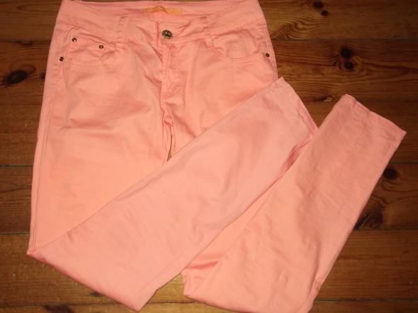 Koralowe spodnie rozmiar 38