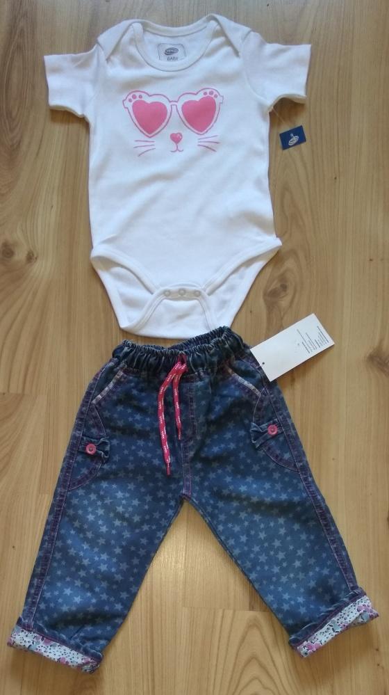 Komplety Białe body i spodnie jeansowe 92