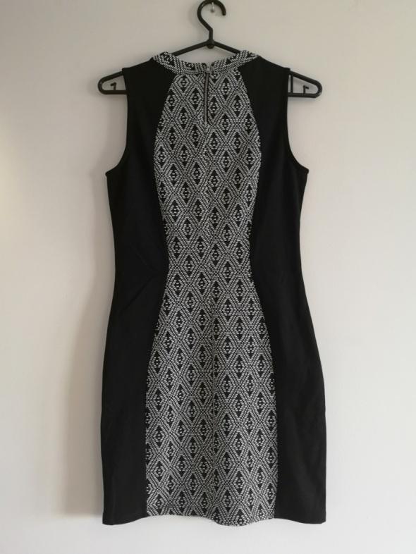 czarna sukienka S M L obcisła boho H&M wyszczuplająca...