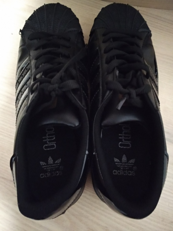 Czarne Adidas...