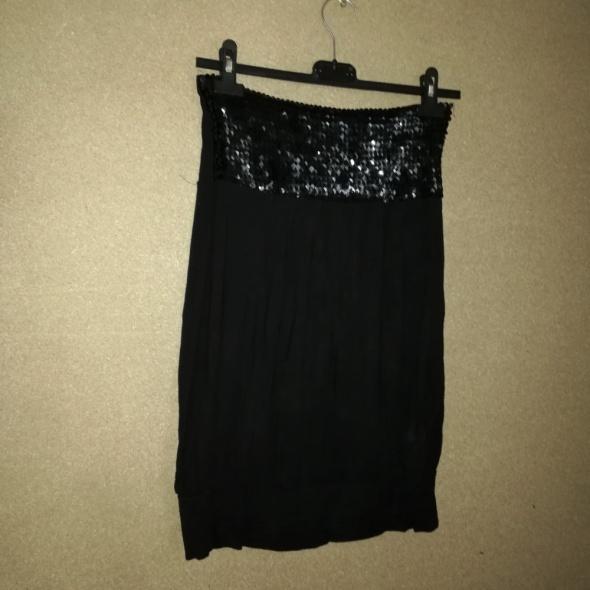 Czarna elastyczna bluzka z cekinami 38