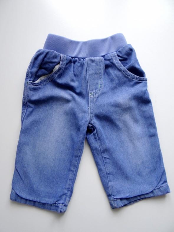 Spodnie jeansowe rozmiar od 9 do 12 miesięcy
