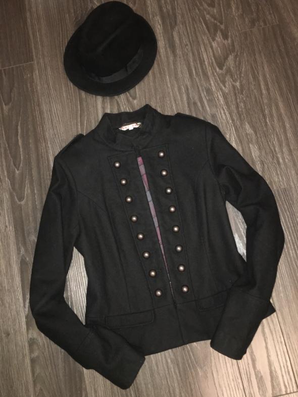 Falmer kurtka militarna carska stylowa jak zara hm kapelusz komin