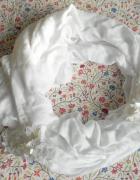 HM biała chusta szal zdobiony cekiny...