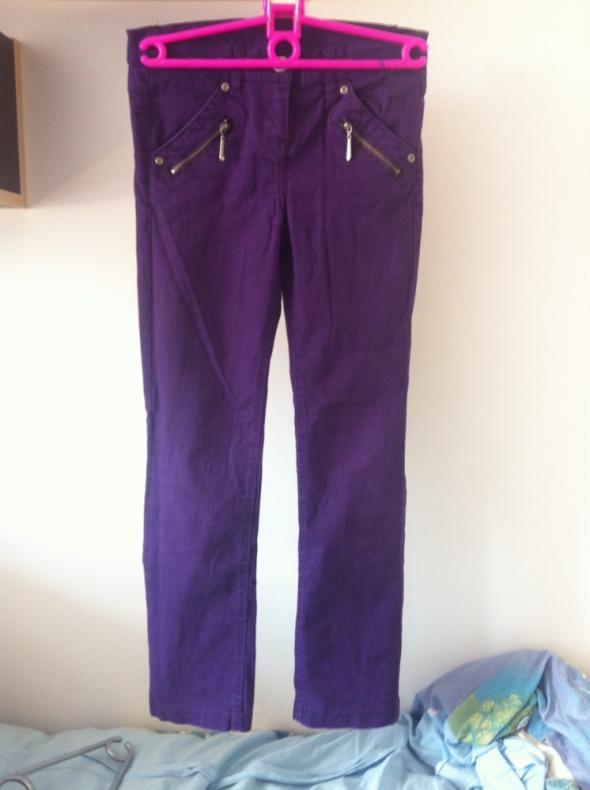 Rybaczki 140 spodnie fioletowe rurki zamki