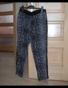 Cropp chillin wężowe spodnie alladynki szare...