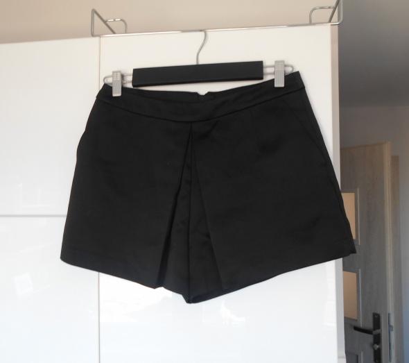 Spodenki New Look czarne szorty zakładka satynowe neopren