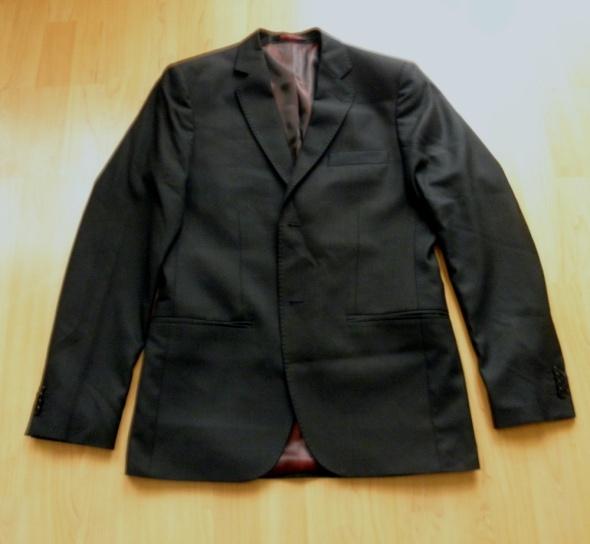 Elegancki młodzieżowy garnitur marki Benenati