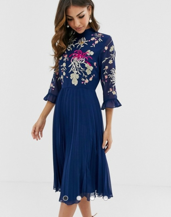 Plisowana sukienka z