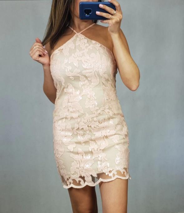 Morelowa sukienka w cekiny M