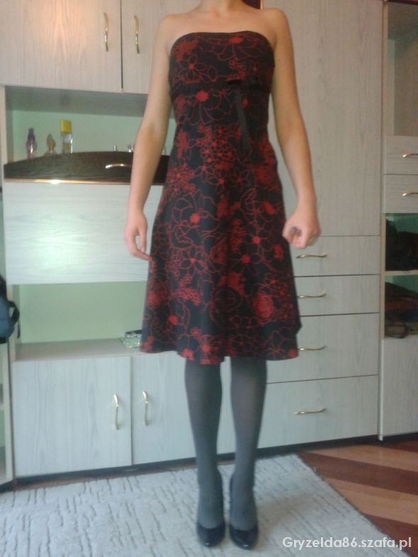 sukienka bez szelek...