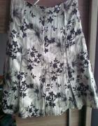 spódnica biała w kwiaty czarne i szare...