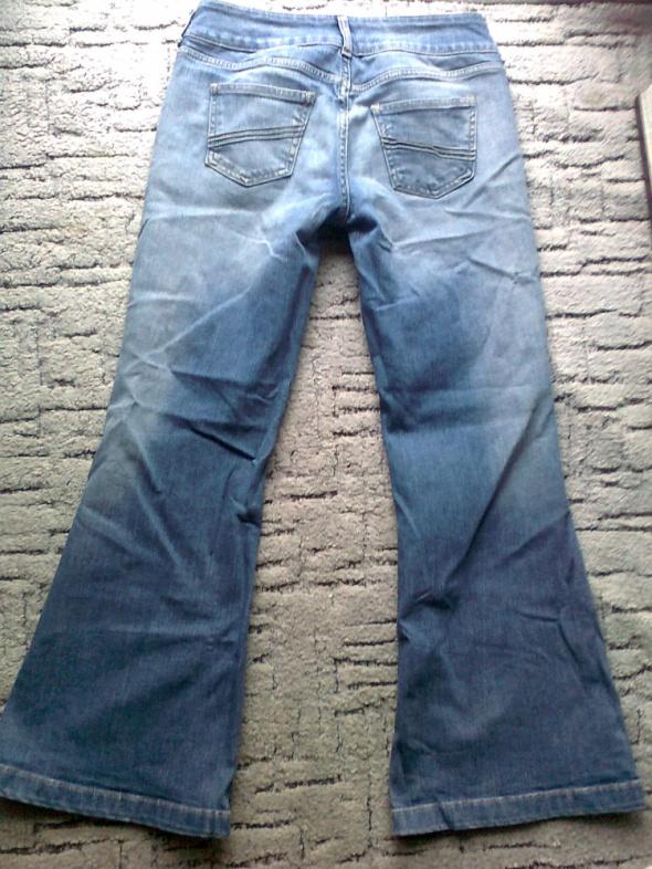 Spodnie jeansy dzwony hipii